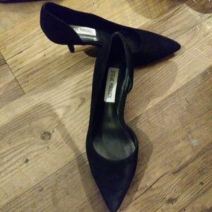 Steve Madden Shoes - Steve Madden Black Suede Pointed Toe Heels EUC